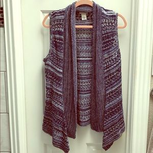 Blue and white knit open front cardigan